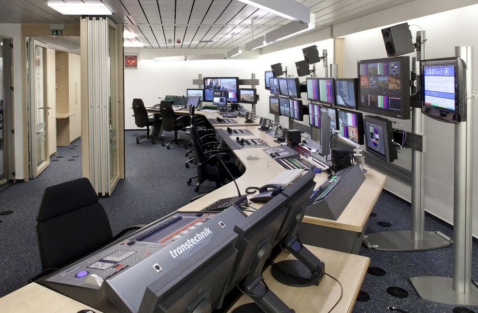 bfe tv: Broadcast Furniture